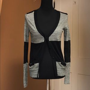 Simply Vera wang cardigan grey an mesh black